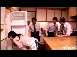北川千尋 大量ぶっかけ連続生中出し姦♪ドМ陵辱三昧 Part.2