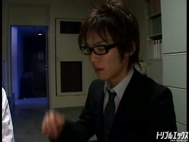 特命係長富良野は同僚の女性に告白されて…。