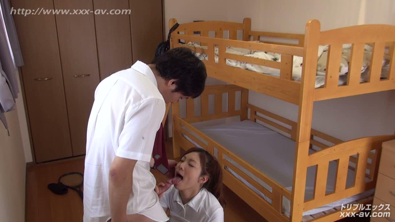 二段ベッドがきしむ程、感じる姉の喘ぎ声を聞いて発情しだす妹 フルハイビジョン vol.01