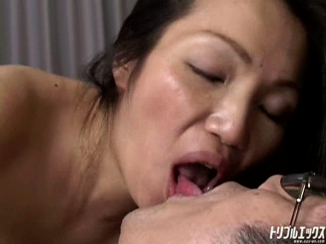 異常性欲の四十路熟女 PART1