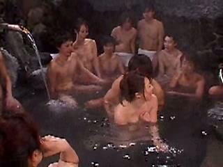 美熟女とイクっ!混浴露天風呂大乱交ツアー vol,03