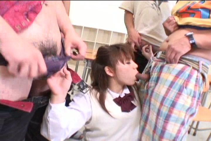 ドジな学園美少女がクラスメートにハメられる