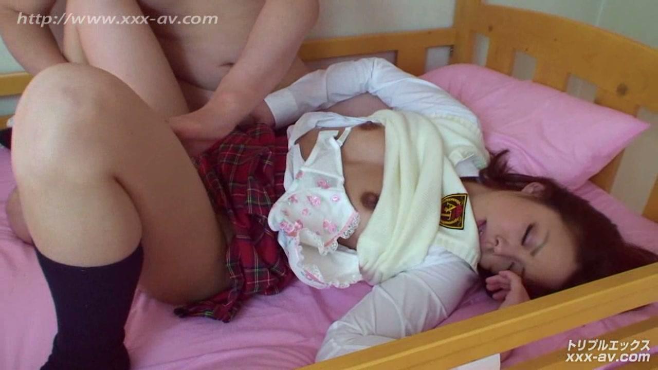 二段ベッドがきしむ程、感じる姉の喘ぎ声を聞いて発情しだす妹2 フルハイビジョン vol.02