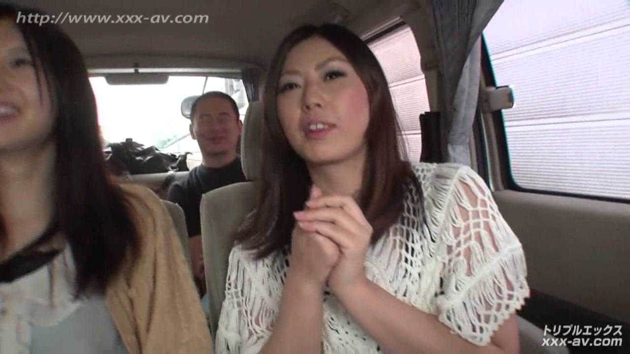 フ●イスブックで知り合ったウブな女子大生と温泉乱交バスツアー!車内編vol.1