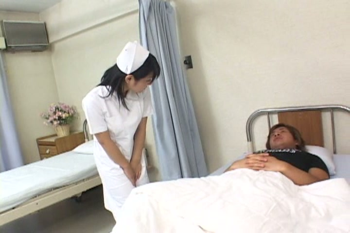 淫欲なちっちゃな看護婦