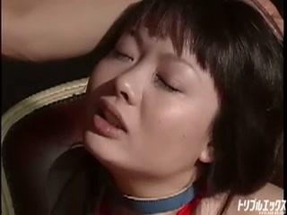 童顔娘の淫猥ムッチリボディを徹底鬼畜調教!