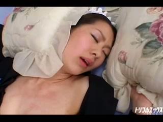 借金返済の為に性的ご奉仕を頑張るメイドさん!! Vol.3