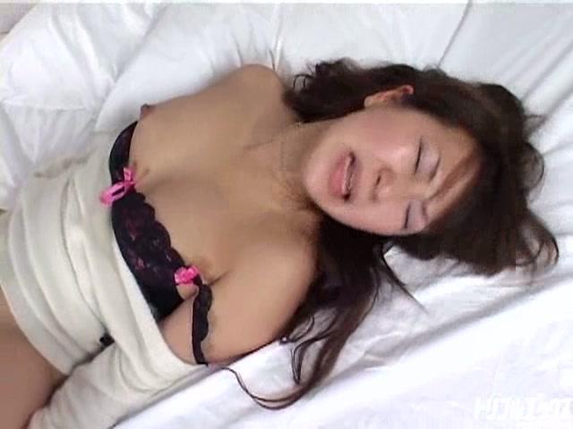 無垢な清純系娘を超絶激ハメ!生ファック生中出し!!