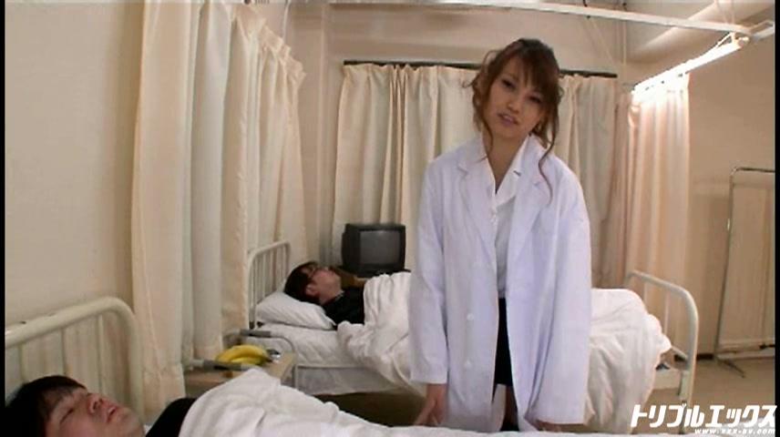 卑猥な美人女医が天使の診察で院内淫行