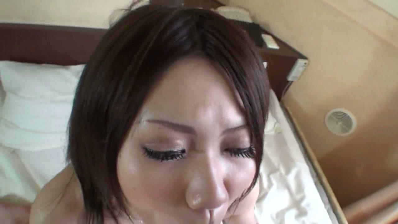 初解禁独占!純真可憐な敏感美少女が初体験で初裏解禁デビュー! MiU フルHD