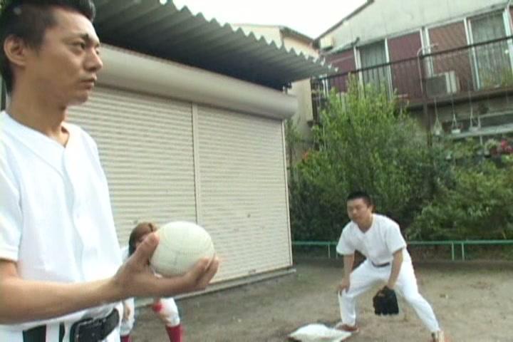 元ソフトボールアスリートは大きなバットとナマ臭いボールが好き!?Vol.2