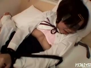 童顔&パイパンな娘とホテルで制服コスプレ濃密H