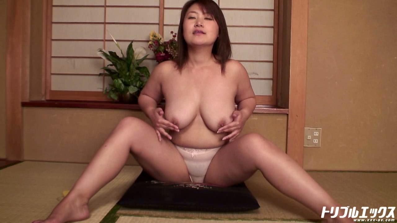 淫乱三十路女ひなこが魅せるド変態濃厚アクメ!!(HD)